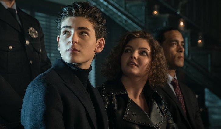 "Gotham: 5x09: riassunto episodio ""The Trial of Jim Gordon"""