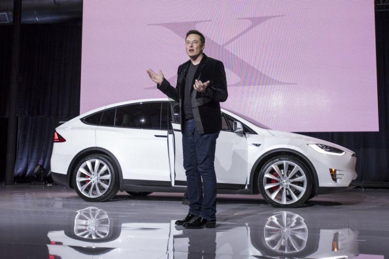 SUV Tesla