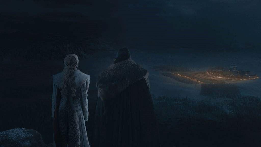 Daenerys e Jon osservano da lontano Grande Inverno