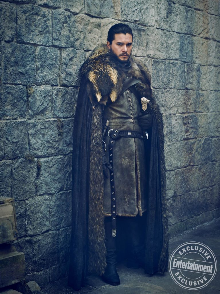 Game of Thrones foto inedite EW Kit Harrington Emilia Clarke e D&D (Credits: HELEN SLOAN/HBO)