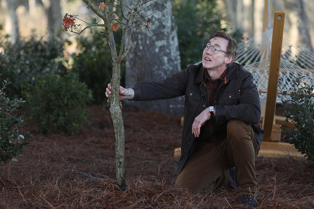 "1x02 ""Worlds Apart"" 1x01 ""pilot"" swamp thing"