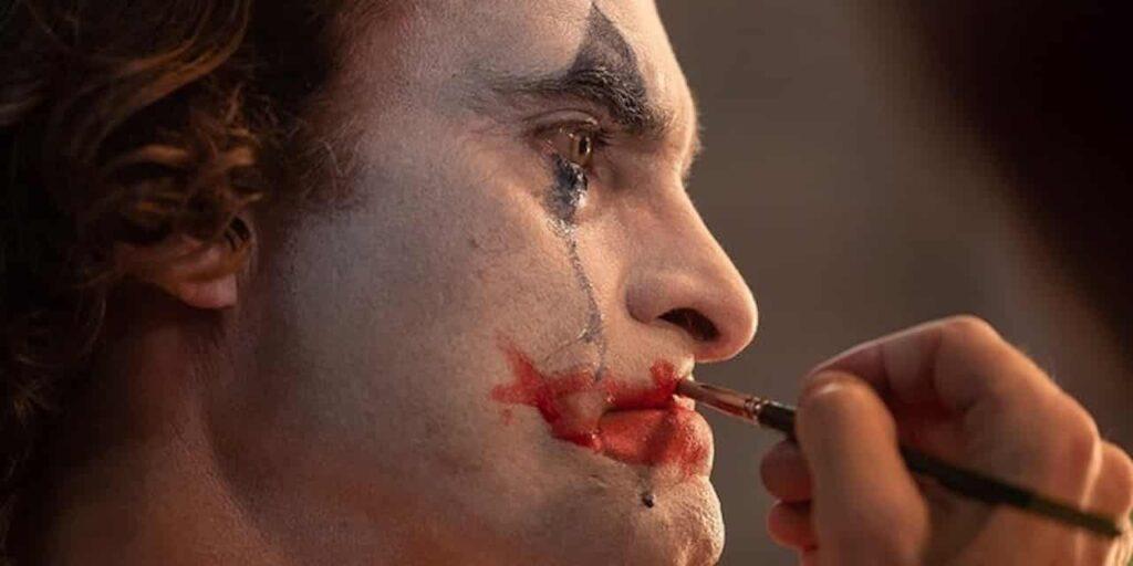 Joker recensione todd phillips  joaquin phoenix warner bros dc comics