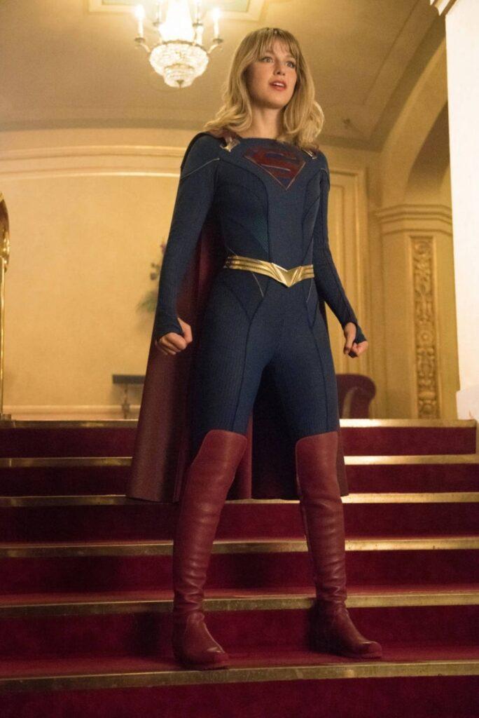 Supergirl 5x01: il nuovo costume
