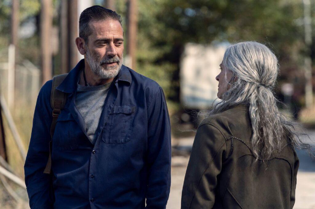 The Walking Dead 10C - Negan (Jeffrey Dean Morgan) e Carol (Melissa McBride)