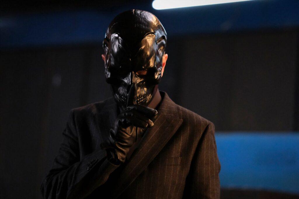 Peter Outerbridge è Roman Sionis alias Black Mask in Batwoman 2