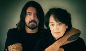 Dave Grohl From Cradle To Stage Paramount +