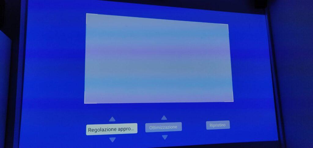 Correzione trapezoidale Mi Smart Compact Projector